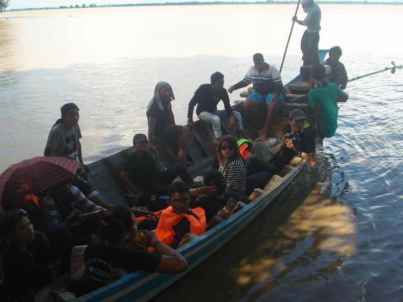 Burma Floods: Relief teams